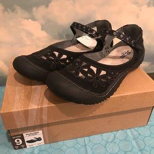Jambu Shoes - Jambu Women's Black Wildflower Shoes Multiple Size